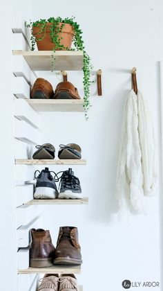 Schuhablage Creative DIY shoe storage ideas to keep all of your shoes. 20 different DIY shoes .