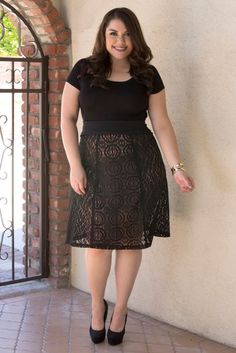 Plus size ladies ought to prefer wearing a midi skirt that has a tight fit at the hip and loosened up at the base.