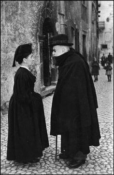 Scanno Abruzzo, Italy. Henri Cartier-Bresson