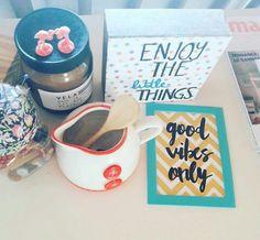 Trabalha em casa? Saiba tudo sobre organização do home office e como deixar sua mesa de trabalho atrativa e inspiradora. Confira!