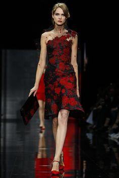Giorgio Armani Marks 40 Years in Fashion at Haute Couture Week 2014 Giorgio Armani, Live Fashion, Passion For Fashion, Fashion Show, Couture Fashion, Runway Fashion, Ralph & Russo, Fashion Details, Fashion Design