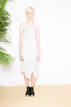 Explore the looks, models, and beauty from the By Yigal Azrouel Spring/Summer 2015 Ready-To-Wear show in New York on 2 September 2014 Live Fashion, Fashion Show, Fashion Outfits, Fashion Design, Women's Fashion, Fashion Weeks, Spring Summer 2015, Spring Summer Fashion, New York