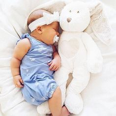 Another little 👼 is the prettiest of rompers. This looks super cool and super comfy if you ask us! Cute Kids, Cute Babies, Baby Kids, Baby Pictures, Baby Photos, Trendy Baby Clothes, Stylish Baby, Everything Baby, Baby Family