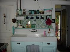 My love for these old apron-front farm   sinks is still going strong. *sigh*