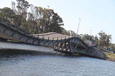 Punta del Este fica no Departamento de Maldonado (Estado para nós), cerca de 130km de Montevideo ou 3 horas de ônibus. Fomos na época errada. Punta del Este é uma cidade de aproximadamente 14mil ha…