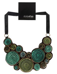 Doris Vinas Peto mix necklace in greens.png (430×555)