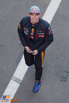 Max Verstappen, Scuderia Toro Rosso, Formula 1 test at Circuit de Catalunya F1 Motorsport, Motorsport Events, Gp F1, Mechanic Humor, Red Bull Racing, F1 Drivers, Handsome Faces, Indy Cars, Formula One