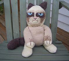 Grumpy K(n)itty: the knitted Grumpy Cat Tardar Sauce by Corina Cook