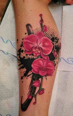 Orchideen Tattoo Arm farbig