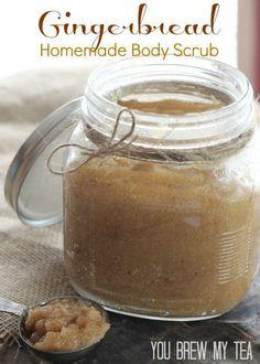 This amazing Gingerbead Homemade Body Scrub is a great gift item for anyone! | Homemade Sugar Scrub | Gingerbread Sugar Scrub | DIY Beauty Products | DIY Sugar Scrubs
