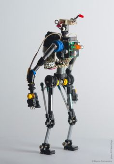 Miniature Toy Robots Made from Recycled Electronic Components Miniature Toy Robots Made from Recycled Electronic Components toys robots recyling by Portugese product designer Marco Fernandes Arte Robot, Robot Art, Robot Components, Electrical Components, Electronics Components, Arte Tech, Waste Art, Recycled Robot, Electronics Projects