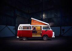 """Liked on InstaGram: Dos 'n Donts der Websuche beim Bullikauf, den richtigen Bus für Einsteiger finden, 10 meiner liebsten kostenlosen Stellplätze im Raum D-A-CH und eine Bauanleitung zur Transformation vom Corsa/Caddy zum Alltagscamper - für das neue @walden_mag habe ich zusammen mit Infografikerin Esther Gonstalla ein """"On the Road"""" Dossier gemacht. Jetzt am Kiosk! Titelfoto: @kolja.me, Model: @fernweg #walden #waldenmag #waldenmagazin #ontheroad"""