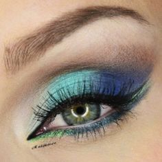 Makeup Geek's Poolside, Ocean Breeze, Boo Berry, and Nautica shadows accompanied by our gel liners Fame