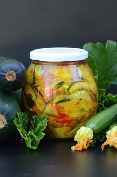 Sałatka z cukinii do słoików na zimę Czech Recipes, Veg Recipes, Canning Recipes, Canning Vegetables, Meals In A Jar, Vegan Kitchen, Polish Recipes, Fermented Foods, Vegetable Salad