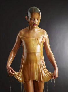Blake Little - art - live subjects covered in honey