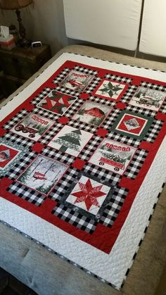 Christmas Quilt Blanket - Humpine - This should be one of the best choices when it comes to christmas quilts. Christmas Quilting Projects, Christmas Quilt Patterns, Christmas Sewing, Christmas Rag Quilts, Christmas Afghan, Christmas Patchwork, Crochet Christmas, Scrapbooking Stickers, Quilted Throw Blanket