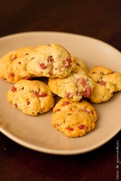 Savory biscuits with bacon and Parmesan cheese Vol Au Vent, Tapas, Savoury Biscuits, Salty Foods, Cooking Recipes, Healthy Recipes, Bacon, Snacks, Cookies
