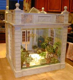wonder how I could do something like this for a Barbie Doll house? mini conservatory wonder how I could do something like this for a Barbie Doll house? Miniature Plants, Miniature Rooms, Miniature Houses, Miniature Furniture, Dollhouse Furniture, Barbie Furniture, Vitrine Miniature, Barbie Doll House, Barbie Barbie