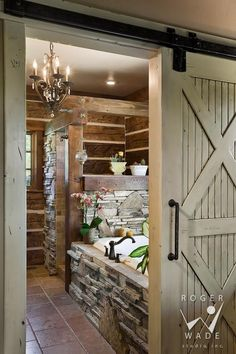Blockhaus Schlafzimmer Ideen Interior Design-Ideen & Home Decorating Inspiration Moercar Log Cabin Bedrooms, Log Cabin Homes, Log Cabins, Log Cabin Kitchens, Cabin Bathrooms, Rustic Bathrooms, Rustic Cabin Bathroom, Country Style Bathrooms, Bathrooms Decor
