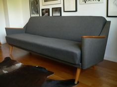 Midcentury Daybed Knoll Juhl Jalk Ära Danish Design Denmark 50er Danish Design, Daybed, Denmark, Mid Century, Scandinavian Design, Pull Out Bed, Seat Forum, Day Bed, Medieval