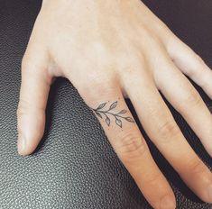 Hand And Finger Tattoos, Flower Finger Tattoos, Flower Tattoo Hand, Finger Tattoo For Women, Finger Tats, Hand Poked Tattoo, Vine Tattoos, Dainty Tattoos, Small Girl Tattoos