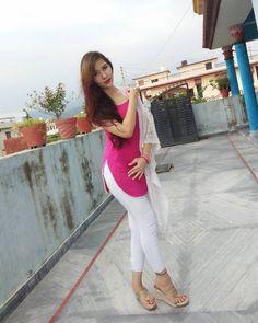 Indian Actress Pics, Desi Girl Image, Dehati Girl Photo, Hot Goth Girls, Desi Models, Indian Girl Bikini, Teen Girl Poses, Indian Girls Images, Curvy Girl Outfits
