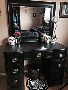 gothic home decor home decor homedecor Goth Bedroom 27 Gothic Room, Gothic House, Victorian Gothic, My New Room, My Room, Gothic Vanity, Gothic Makeup, Goth Bedroom, Gothic Bedroom Decor