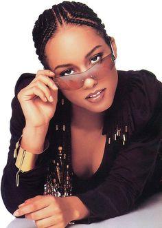 Alicia Keys Young Teen Singer Music Artist Promo Soul R&B Debut Braids Cornrows & Beads Natural Hair Protective Style Alicia Keys Music, Alicia Keys Braids, Alicia Keys Style, Pictures Of Alicia Keys, Girl Hairstyles, Braided Hairstyles, Fulani Braids, Braids Cornrows, Hip Hop