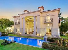 Real Estate Magazine - Love your Home Live the Lifestyle Luxury Homes Exterior, Luxury Modern Homes, Luxury Rooms, Luxury Real Estate, Exterior Design, Rich Home, Mansions Homes, Love Your Home, Pool Houses