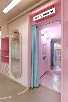 Rolarola open pink cafe, pop up stores, aesthetic backgrounds, blue bunny, club Boutique Interior, Salon Interior Design, Salon Design, Cafe Design, Store Design, Bakery Design, Deco Restaurant, Retro Diner, Aesthetic Rooms