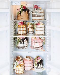 Obsessed with naked cakes flowers I need some sort of occasion to order these by marianna_hewitt Pretty Cakes, Beautiful Cakes, Amazing Cakes, Beautiful Things, Cake Cookies, Cupcake Cakes, Cupcake Ideas, Bolos Naked Cake, Nake Cake