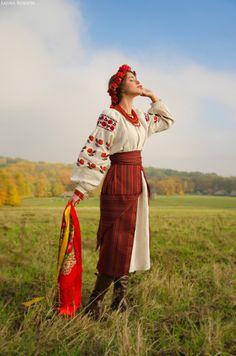 Традиционный украинский женский костюм