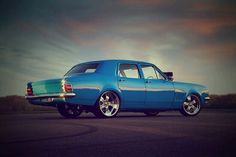 Holden Classic Car - Blue Muscle 'Old' Style