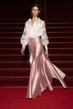 Alexis Mabille Resort 2018 Fashion Show - Tap the LINK now to see all our amazing accessories, that we have found for a fraction of the price Look Fashion, Runway Fashion, High Fashion, Fashion Design, Dress Skirt, Dress Up, Alexis Mabille, Dress To Impress, Beautiful Dresses