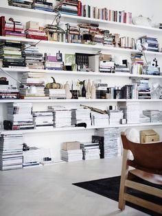 living room/books