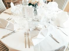 Tablenumbers and placecards by www.makeadesign / Photo by Mona Nieminen