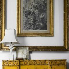 Kate & Harriet | Livingroom, frame, golden frame, lamp - Interior