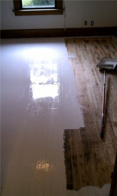 Super Ideas For Painting Wood Floors White Bedrooms White Painted Wood Floors, Painted Hardwood Floors, Refinishing Hardwood Floors, Diy Flooring, Timber Flooring, Bedroom Flooring, White Flooring, Stone Flooring, Painting Laminate Floors