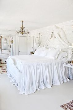 29 White Ruffle Bedding Ideas Ruffle Bedding Ruffle Bedspread Shabby Chic Bedding