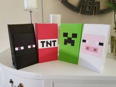 Handmade minecraft inspired party favor bags set by Minecraft Torte, Minecraft Birthday Cake, Minecraft Banners, Minecraft Crafts, Minecraft Party Supplies, Minecraft Party Decorations, 6th Birthday Parties, Boy Birthday, Ideas Party