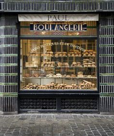 """""""Paul"""" boulangerie & patisserie in Lille (France) Long before they went worldwide. Bakery Store, Bakery Display, Bakery Cafe, Cafe Restaurant, Restaurant Design, Bread Display, Paris Bakery, The Bakery, Paris Cafe"""