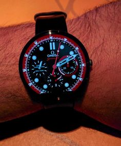 Android Wear Smartwatch Dial Designs Explode With Creativity & Variety feature articles