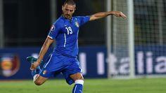 Bonucci båret fra banen mod tyskerne