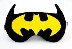 EMERSON – Black batman sleep mask with cotton lining and batting – Schlafmaske Diy Mask, Diy Face Mask, Black Batman, Fashion Face Mask, Mask For Kids, Kids Sleep Mask, Cute Faces, Felt Crafts, Sewing Projects