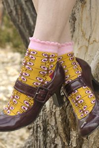 Ginger Anklet -     Inspired by the design on a vintage tin of ginger snaps, the springy, semi-floral pattern and scalloped cuff make these socks super sweet (with a bit of snap!)