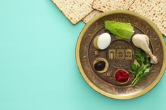 Happy Passover Jewish Holiday symbols, icons set, four wine glass, matza – jewis… Happy Passover Images, Happy Images, Passover Greetings, Good Friday Images, Feast Of Unleavened Bread, Passover Haggadah, Easter Bunny Pictures, Feast Of Tabernacles, Easter Religious