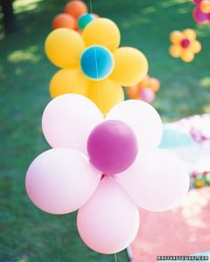 Kids' Birthday Party Ideas - Kids' Birthday Party Ideas Flower Power Party – Bouncy and bright! Balloons and flowers are the theme for this backyard birthday party. Backyard Birthday, 1st Birthday Parties, Girl Birthday, Flower Birthday, Birthday Ideas, Birthday Balloons, 14th Birthday, Hippie Birthday Party, Outdoor Birthday