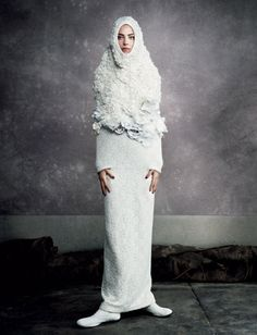 COMME des GARÇONS  Rei Kawakubo's spring/summer 2012 collection, entitled White Drama was one of their best ever.
