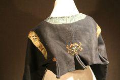 Folk Costume, Costumes, Bell Sleeves, Bell Sleeve Top, Swedish Fashion, Sweden, Museum, Doors, Sweatshirts