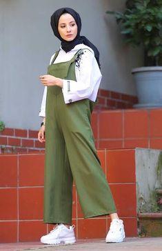 Tesettür Tulum Modelleri Modern Hijab Fashion, Street Hijab Fashion, Muslim Fashion, Unique Fashion, Girl Hijab, Hijab Outfit, Sweatpants Outfit Lazy, Merida, Islamic Clothing
